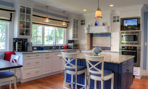 Beach-styled white and blue country kitchen