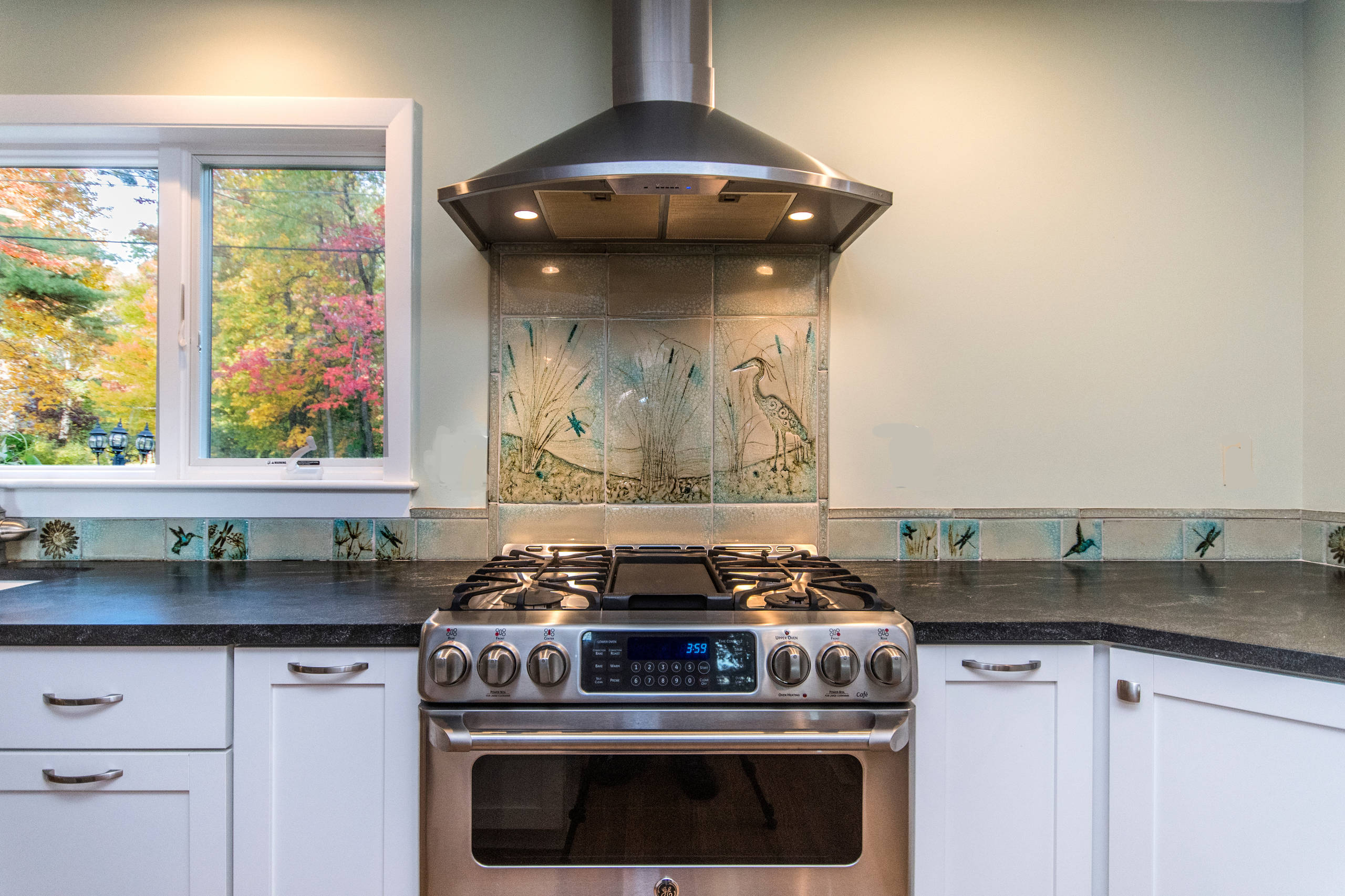 A Coastal Kitchen with custom touches