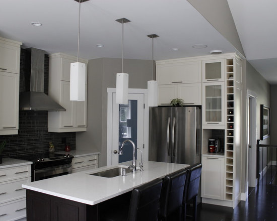 ... Shaped Kitchen Pantry Design Photos with Shaker Cabinets