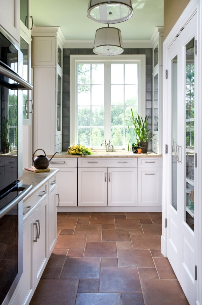Inspiration for a contemporary kitchen remodel in DC Metro with stainless steel appliances