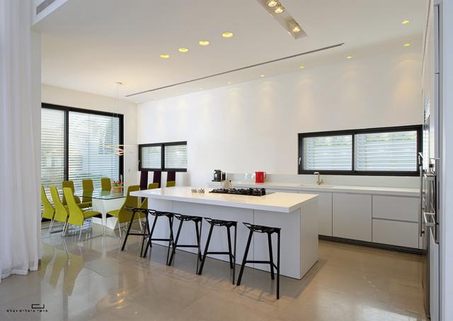 A House at Caesarea (No2) (Architects: V-Studio) modern-kitchen