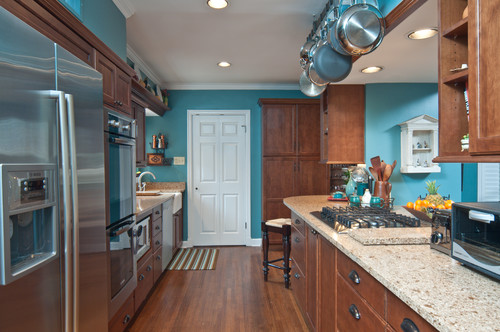 What color and brand is this stunning teal wall color?
