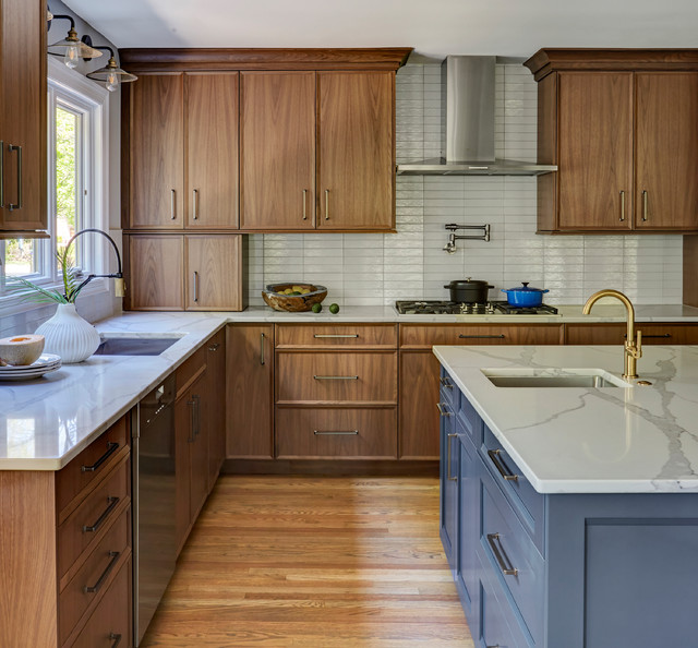 12 Kitchens That Wow With Wood Cabinets