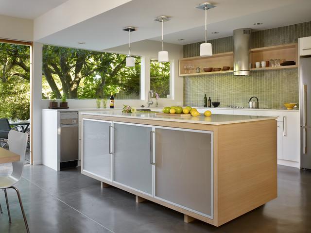 A paul kirk update modern kitchen seattle by dl for Modern kitchen cabinets seattle