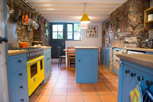 A Playful Shaker Kitchen