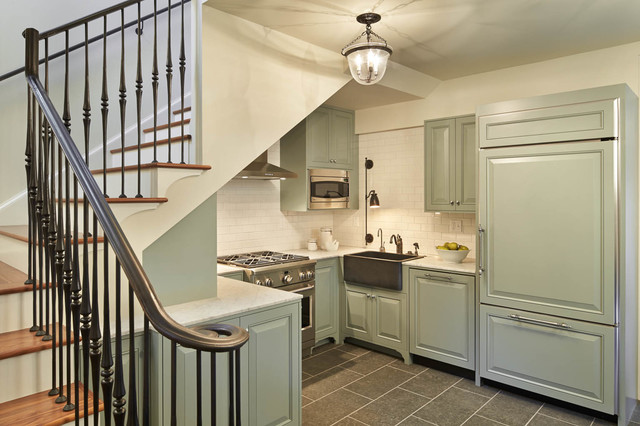 Example Of A Classic U Shaped Kitchen Design In Seattle With A Farmhouse  Sink,