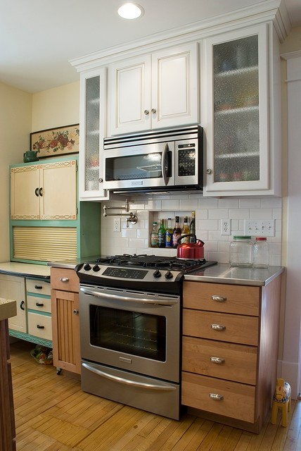 A Vintage Kitchen - Traditional - Kitchen - other metro - by Kitchen Concepts, Inc.