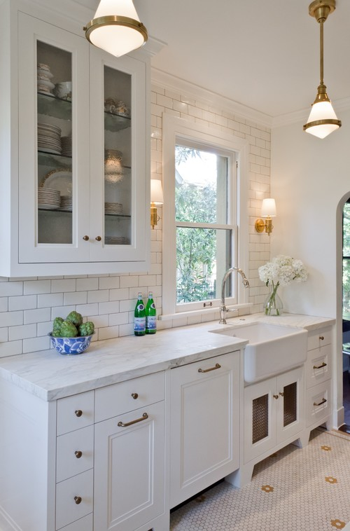 A white Monte Vista kitchen