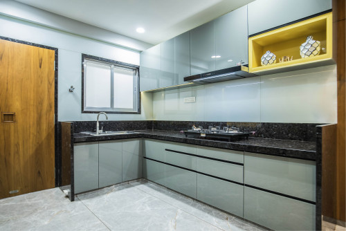 Kitchen with traditional cooktop