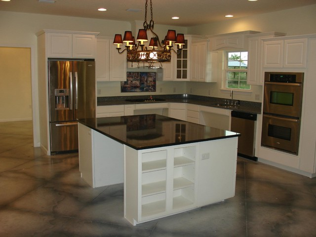 ADA Home traditional-kitchen