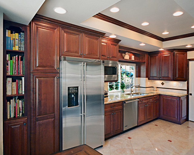 Adams-C.M. - Traditional - Kitchen - Orange County - by Kitchen Cabinets And Beyond
