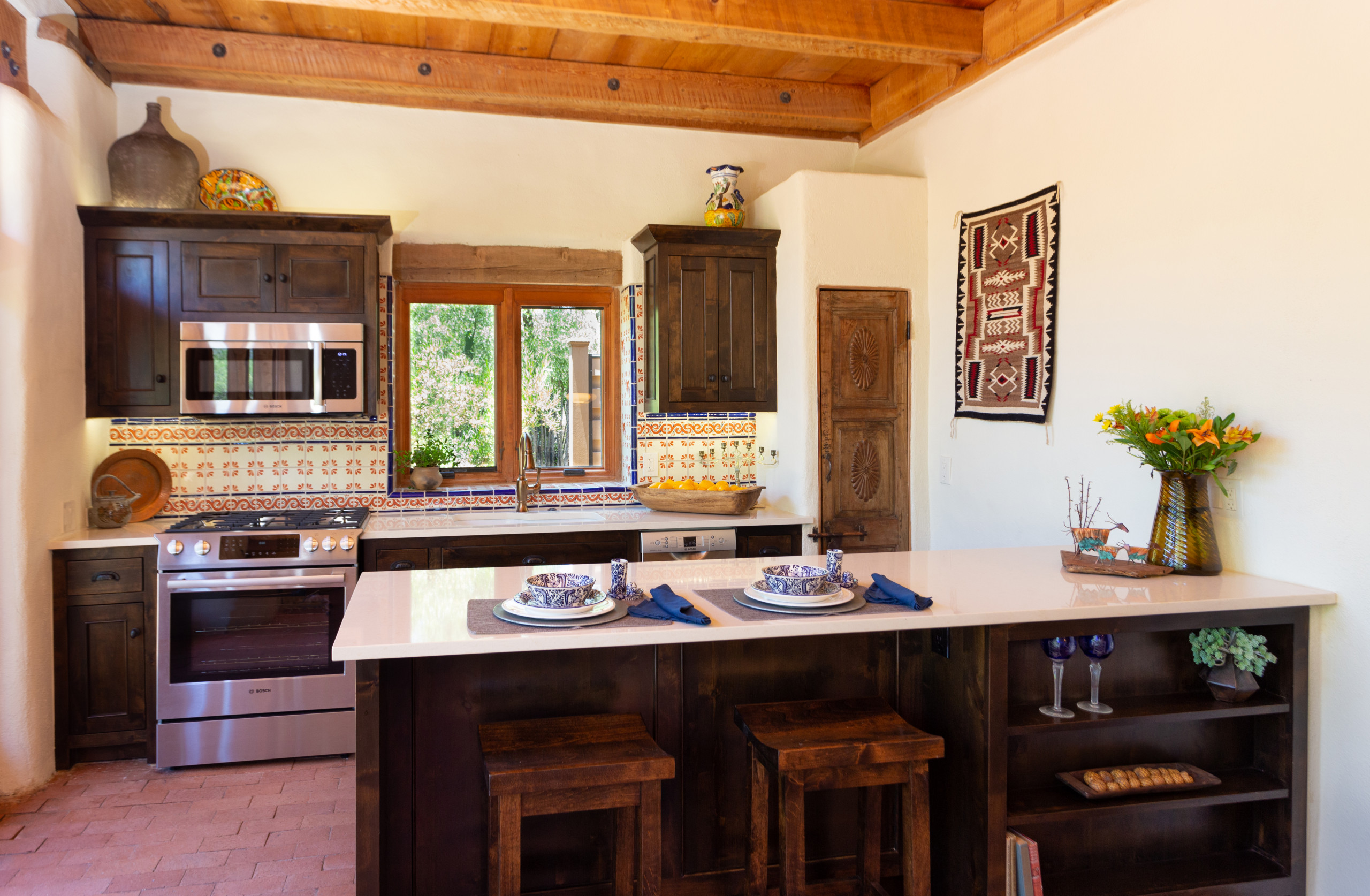 75 Beautiful Small Kitchen Pictures Ideas January 2021 Houzz