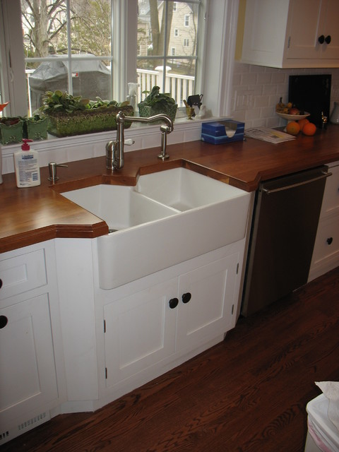 Ageless Colonial with Classic Finishes traditional-kitchen