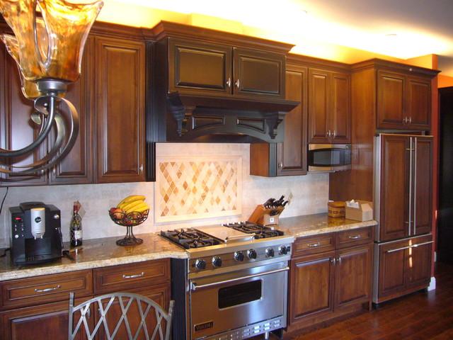 Alamo Kitchen traditional-kitchen