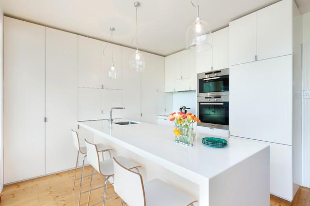 Albert Park Extension - Contemporary - Kitchen - Melbourne - by Statkus Architecture Pty Ltd