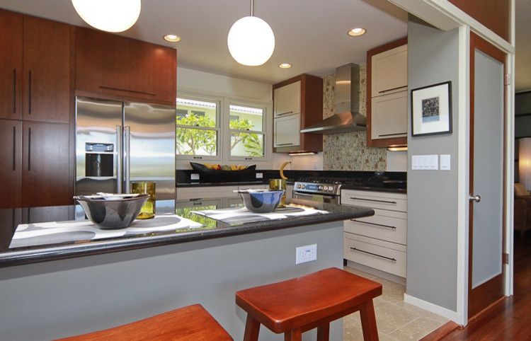 Inspiration for a contemporary kitchen remodel in Hawaii