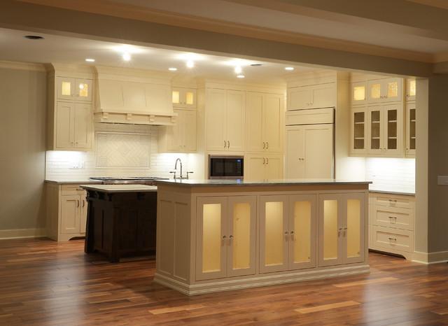 Alexander Crescent traditional-kitchen