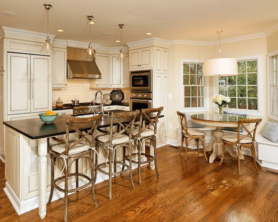 Banquette kitchen design ideas remodels photos for Small eat in kitchen designs