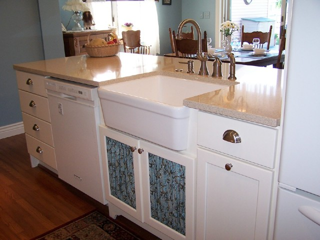 Algonac Kitchen traditional-kitchen