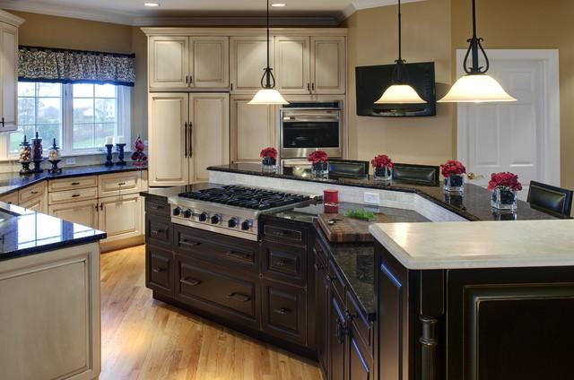 Algonquin Kitchen traditional-kitchen