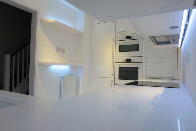 All white minimal kitchen - All white modern kitchen ...
