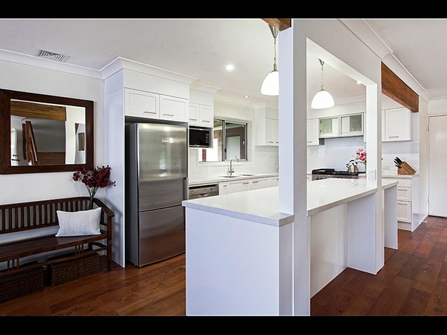 allkindjoinery kitchens 008 contemporary kitchen brisbane by allkind joinery glass. Black Bedroom Furniture Sets. Home Design Ideas