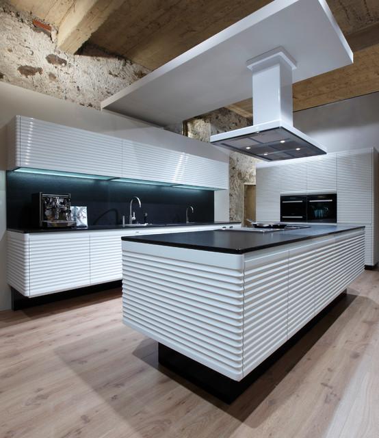 Society Hill Kitchen Cabinets: Allmilmo Custom Cabinetry