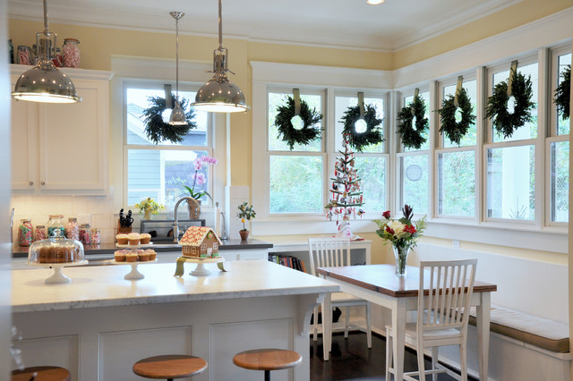 Inspiration for a timeless kitchen remodel in Houston