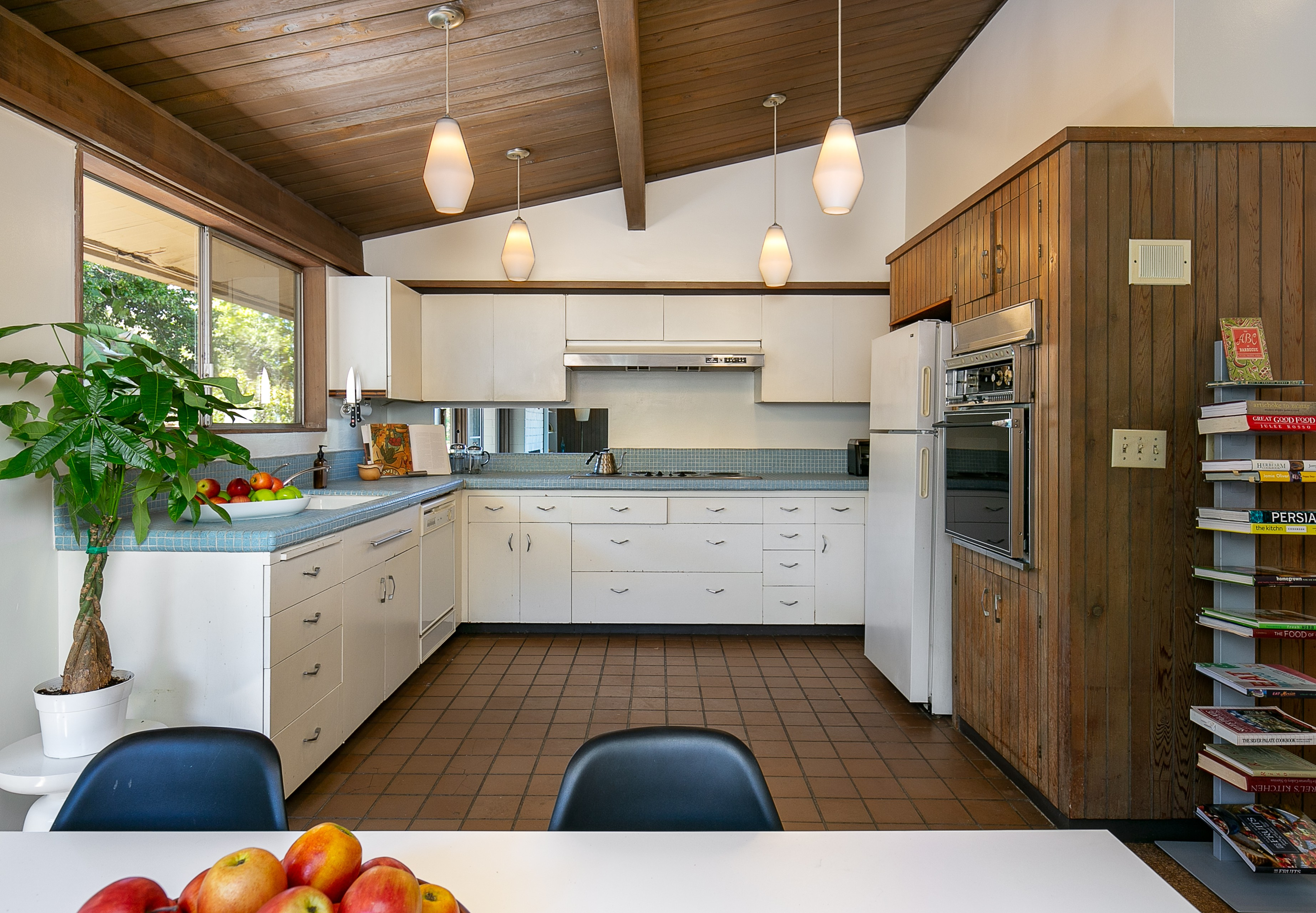 75 Beautiful Kitchen With Tile Countertops Pictures Ideas November 2020 Houzz