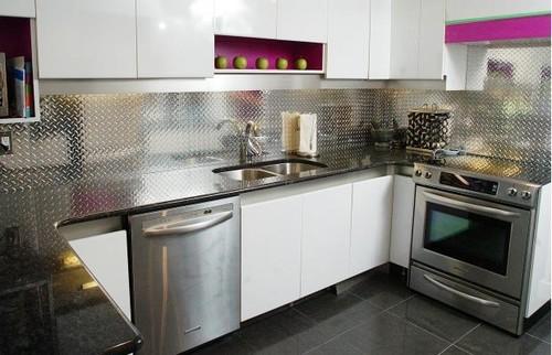 Aluminum checkerplate backsplash panel by Ridalco