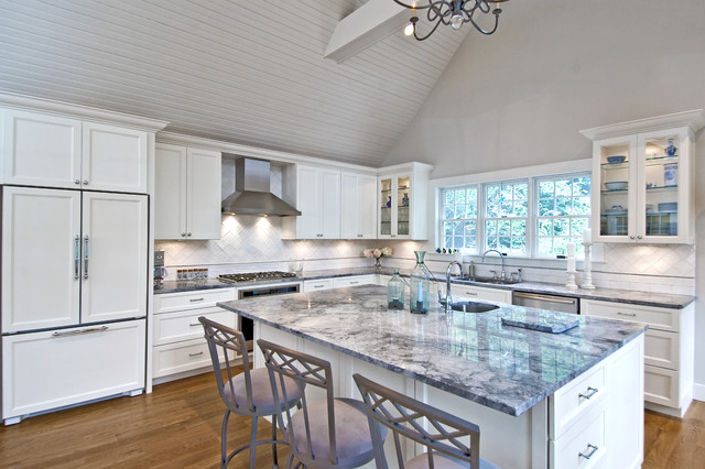 Amagansett Traditional Kitchen traditional-kitchen