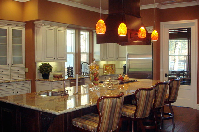 Amanda Burdge, AB HOME Interiors traditional-kitchen