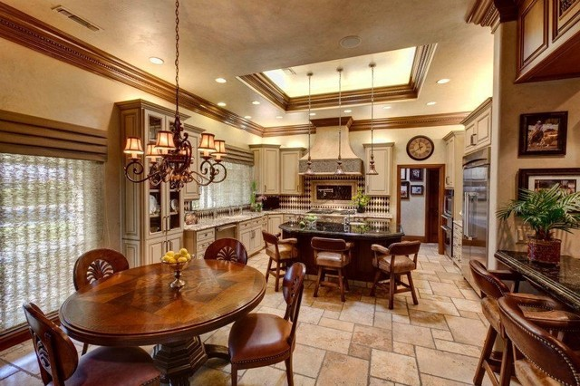 17 Inspiring and Delightful Traditional Kitchen Designs ...