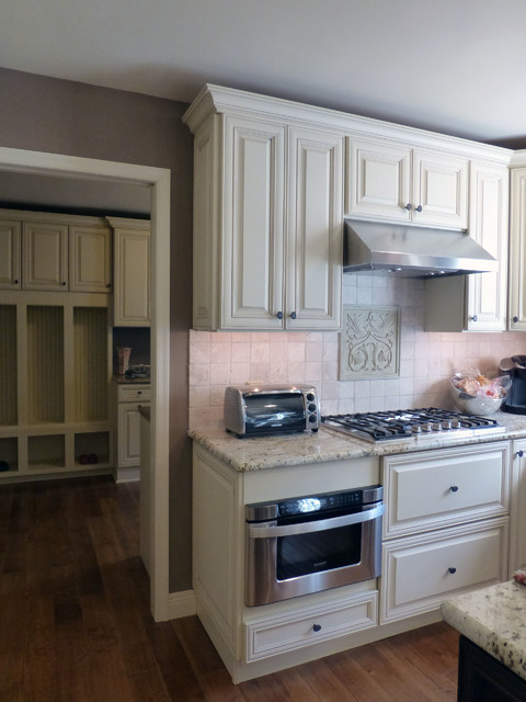 Ambler Kitchen in Haas Cabinets traditional-kitchen