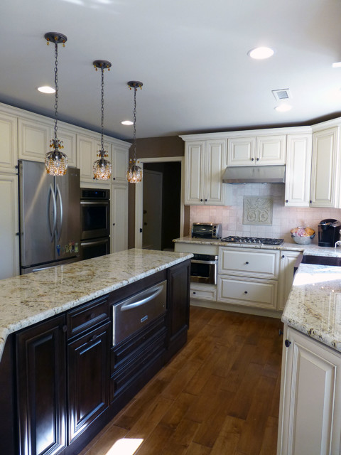 Ambler Kitchen In Haas Cabinets Traditional