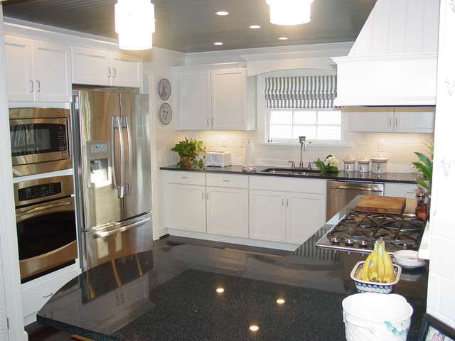 Ambrose kitchen - Traditional - Kitchen - louisville - by Bethany Crenshaw, AKBD - Lowe's ...