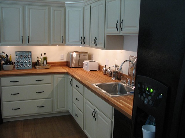 American cherry butcher block traditional kitchen for Kitchen cabinets liquidators