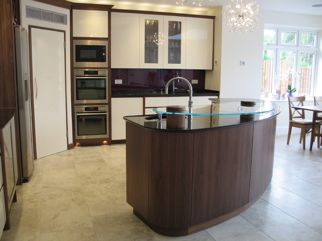 American Walnut And High Gloss Painted Kitchen