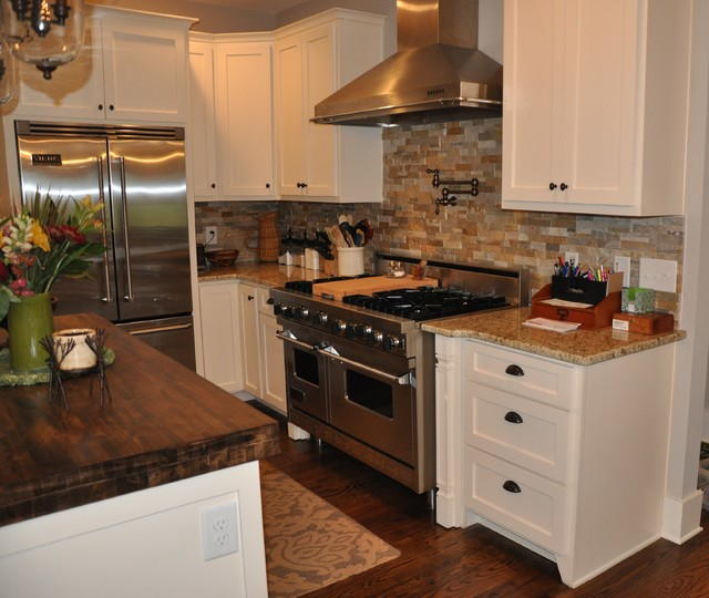 Eclectic Kitchens: An Eclectic Lake Cottage