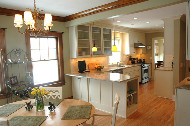 An open kitchen dining room design in a traditional home for Kitchen with dining room designs