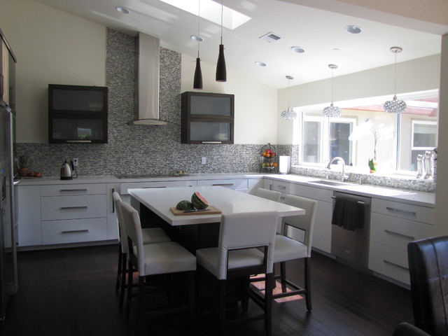 Anat Shmariahu contemporary kitchen