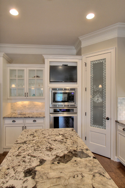 Anchor Cove Ct. Arsenault traditional-kitchen
