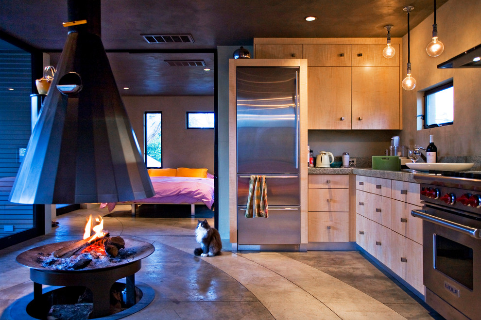 Example of an urban kitchen design in Sacramento with stainless steel appliances