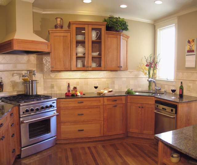 Angled range & sink - Traditional - Kitchen - San Francisco - by Joanne Cannell Designs