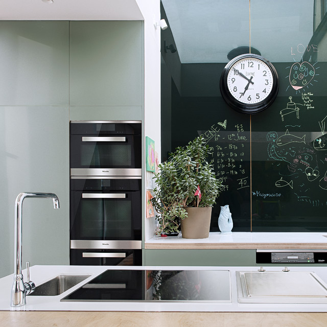 Photo of a contemporary kitchen in Oxfordshire.