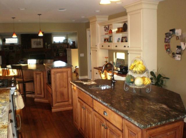 Annah Hill's Kitchen Designs traditional-kitchen