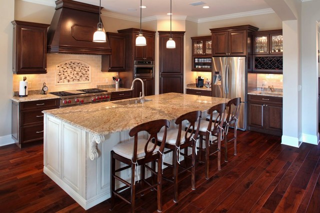 Another Beautiful South Tampa Kitchen traditional-kitchen