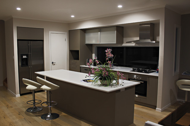Anstey display home casuarina beach beach style for Display home kitchens