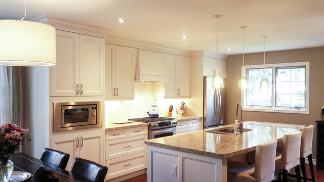 Anthony Drive Kitchen Traditional Kitchen Toronto By Oakville Kitchen And Bath Centre