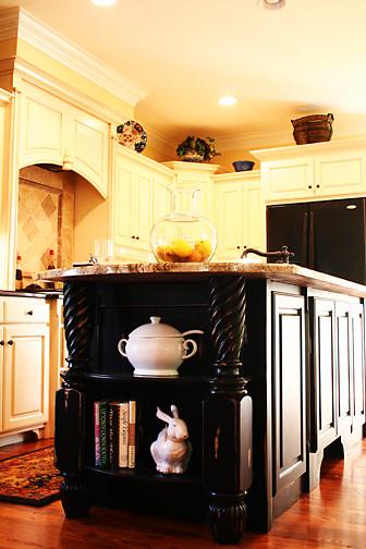 Howard Custom Builders traditional-kitchen